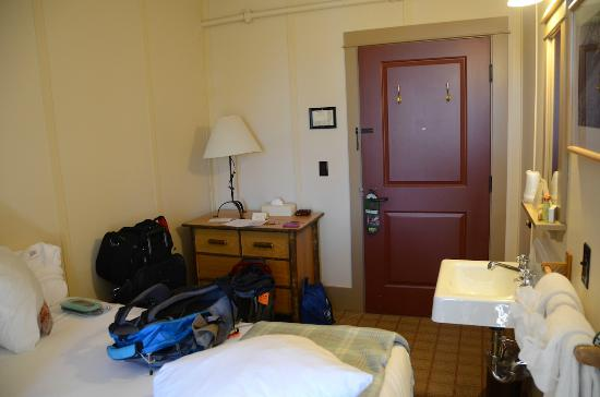 Paradise Inn at Mount Rainier: Inside double room