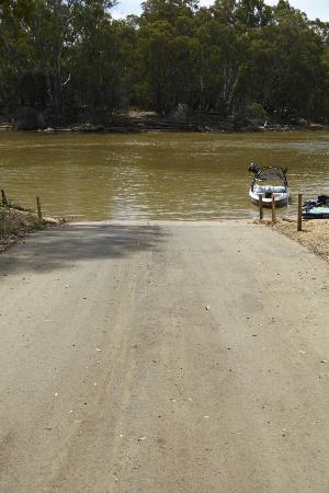 Private Boat Ramp Picture Of Winbi River Resort Moama Tripadvisor