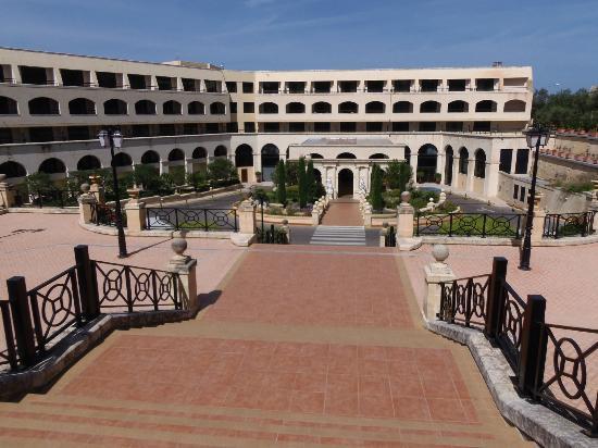 Excelsior Grand Hotel: Hotel front entrance