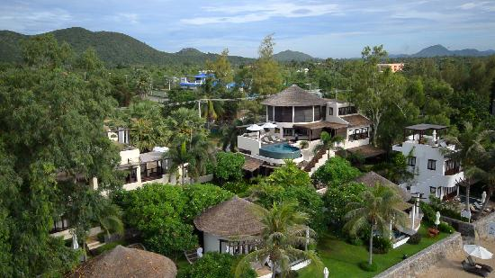 Aleenta Resort Pranburi: A birds eye view of Aleenta main wing