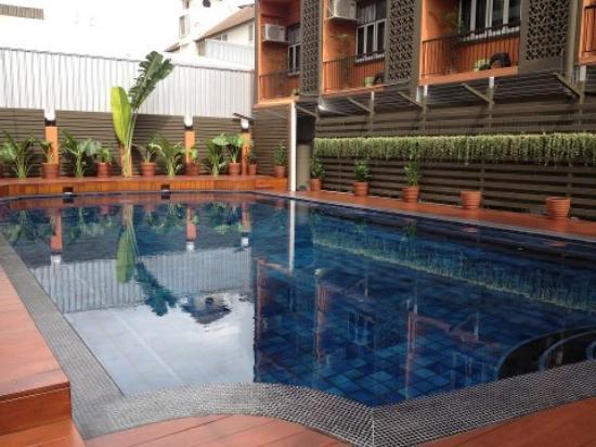 Reno Hotel: the pool