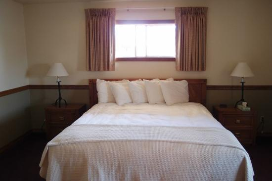 Signal Mountain Lodge: best bed ever!