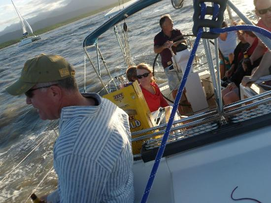 Port Douglas, Australien: Onboard with a merry crew