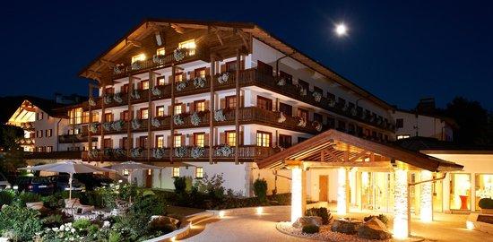 Golf Resort Achental: Hausansicht des Sporthotel Achental in Grassau im Chiemgau
