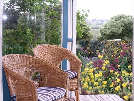 Otira Homestead on Needles Eye: Garden cottage