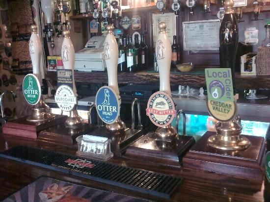 Cider and beer pumps in Star Inn