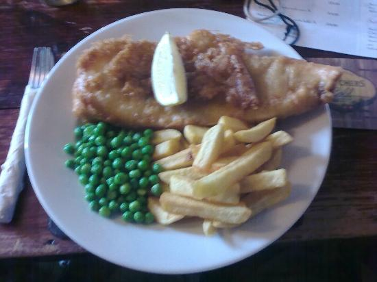 Star Inn: Medium cod and chips