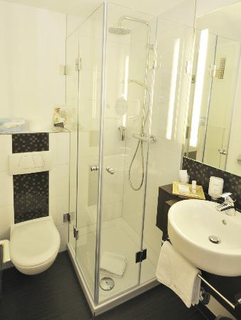 Hotel Esplanade: Badezimmer Im Standard Zimmer