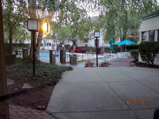 La Quinta Inn & Suites Overland Park : pool area
