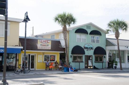 Beach Shanty Cafe: Tiny place