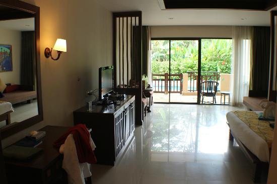 Lanta Resort: Huge pool access rooms