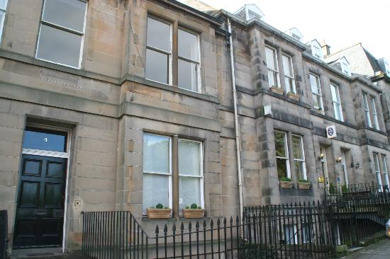 Inverleith Hotel: Entrance to the studio flat