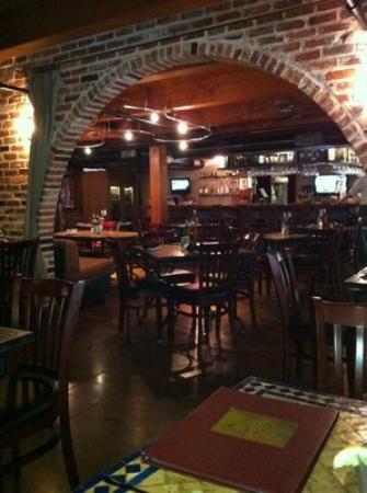Cafe Alma: Cozy interior