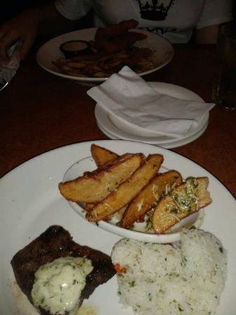 TGI Friday's: steak with rice and chunky chips