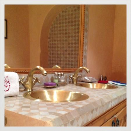 Riad RabahSadia: ma salle de bain