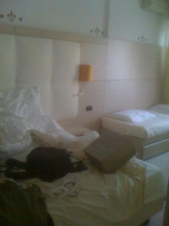 Agape Hotel: Camera da letto rinnovata