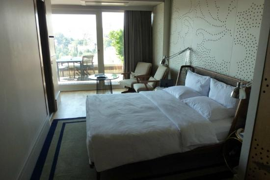 Witt Istanbul Suites: Witt: Queen Panoramic - very small room, not a suite