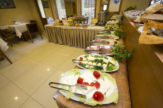 Hotel New House: Breakfast Area