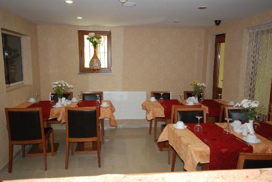 Hotel New House: Restaurant