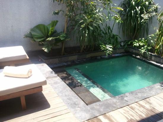 Ko-Ko-Mo Resort: Our little pool