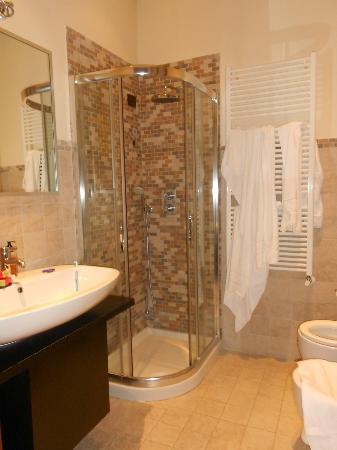 Abbazia Deluxe: baño