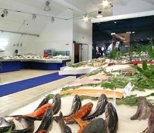 Mercato Del Pesce : Il salone pescheria
