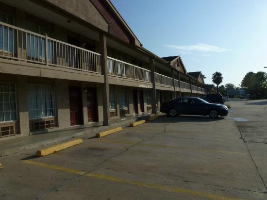 Knights Inn Baton Rouge: Exterior