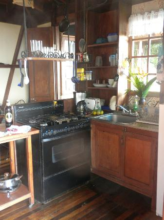 Montezuma Heights: kitchen