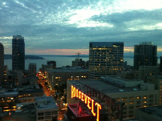 view from 23rd floor picture of grand hyatt seattle. Black Bedroom Furniture Sets. Home Design Ideas
