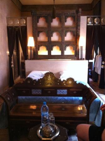 Riad Noir d'Ivoire: the chameleon room