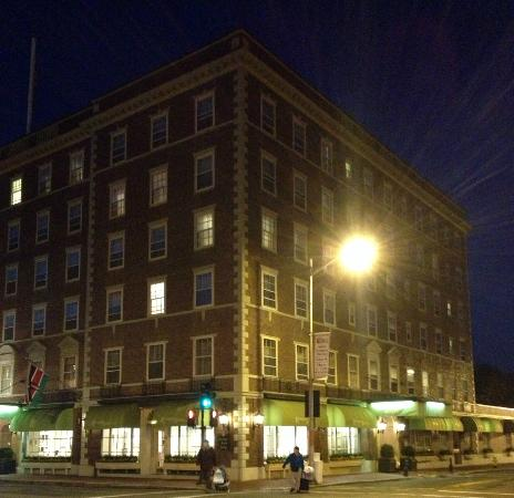 Hawthorne Hotel: night view