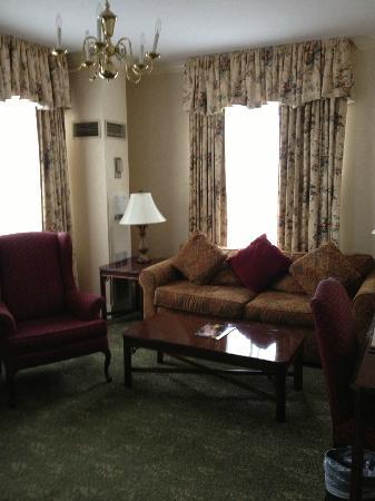Hawthorne Hotel: suite 512