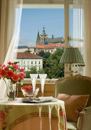 Four Seasons Hotel Prague: Suite View