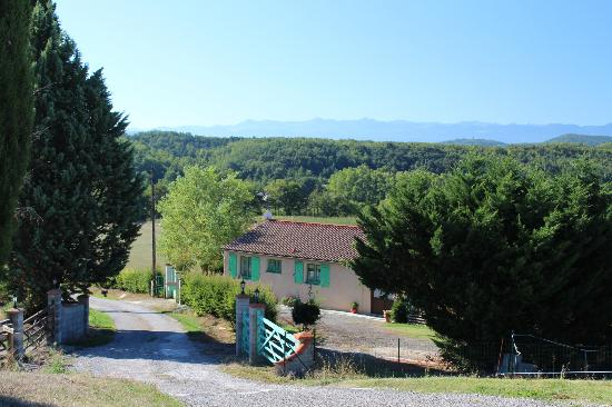 Auberge du Balestie: View from parking 1