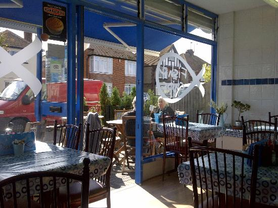 Ossie's Best Fish and Chips: Inside
