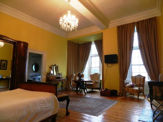 Kinnitty Castle Hotel: Great Room Details and Furnishings
