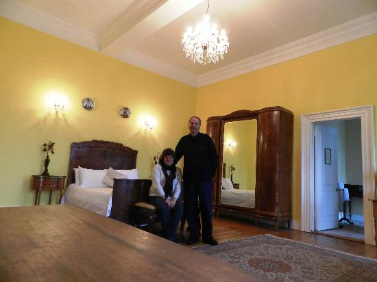 Kinnitty Castle Hotel: Our Room - Sweet!