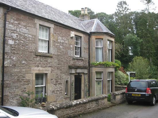 Glenardoch House: house front