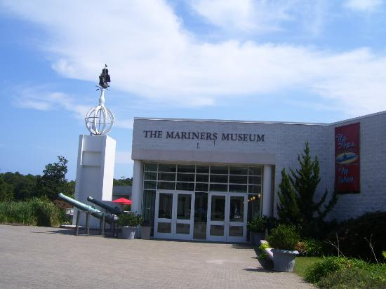 Newport News, VA: The entrance to the Mariner's Museum