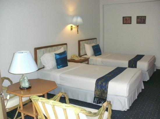 Wiang Indra Riverside Resort: Zimmer Suprior