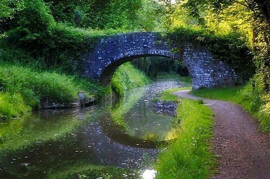 Brecon Beacons National Park, UK: canal at gilwern