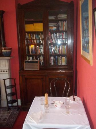 Ravenhill Guesthouse: Breakfast room at Ravenhill
