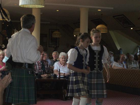 Muthu Ben Doran Hotel: Entertainment on Scottish night