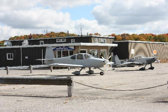 Guelph Airpark: Just another day at the Airpark Cafe!
