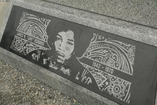 Jimi Hendrix Grave Site: the legend himself