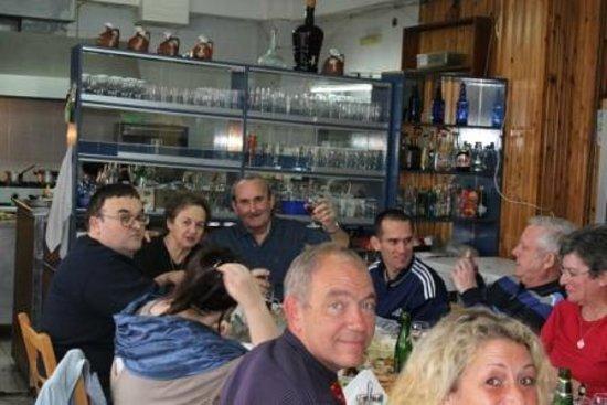 Mylos: Middag med Maria og Nikos på Zorbas