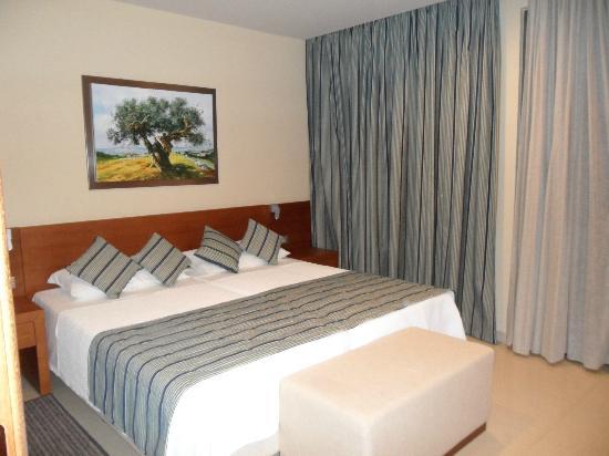 Apollonion Resort & Spa Hotel: Our suite bedroom