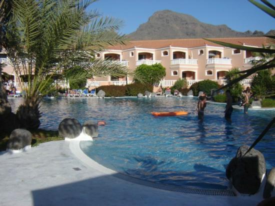 Sol Sun Beach Apartamentos: Great pool^^ (This was in winter :D)