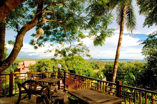 Koh Mak Island: Natural touch under a big tree