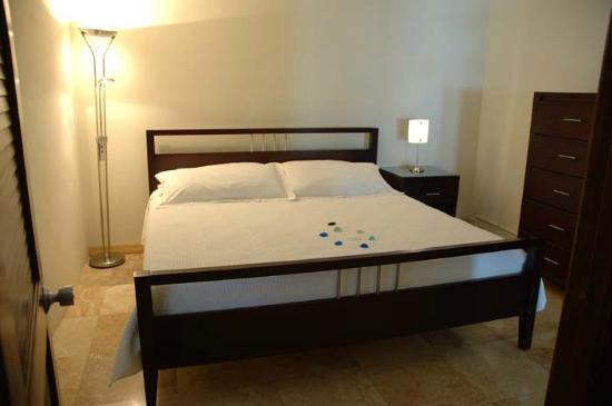 آزول ديل مار: Sea Front Suite Bedroom